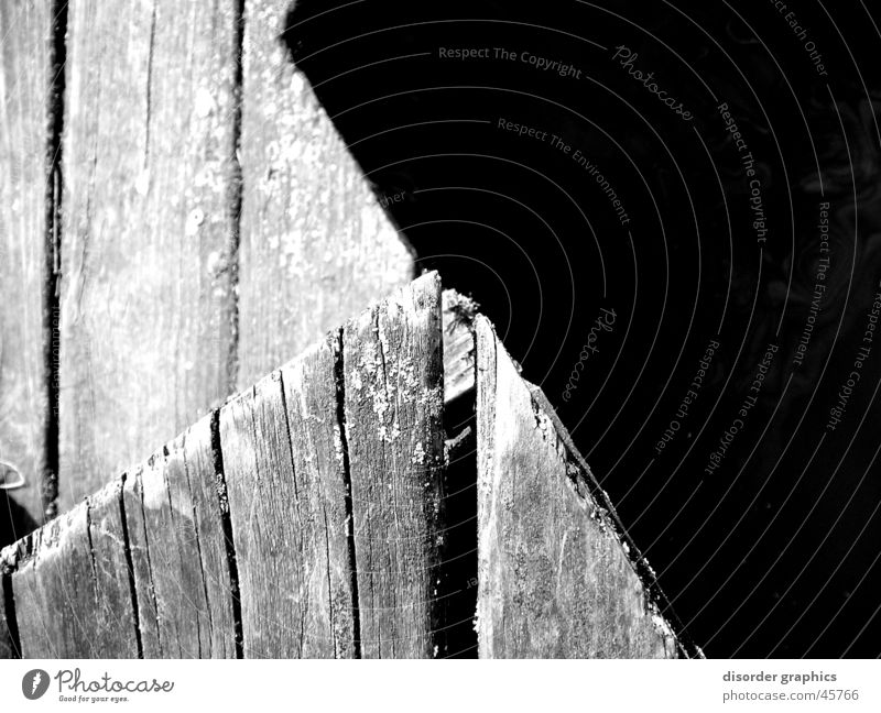 woodie edge Wasser weiß schwarz Holz Ecke Steg Schlitz Grauwert Holzmehl