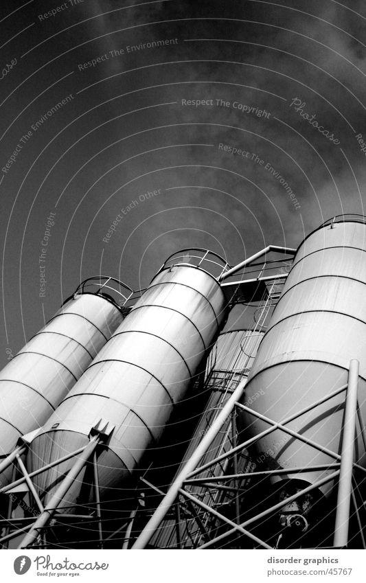industrial heaven weiß schwarz Froschperspektive Industrie Himmel