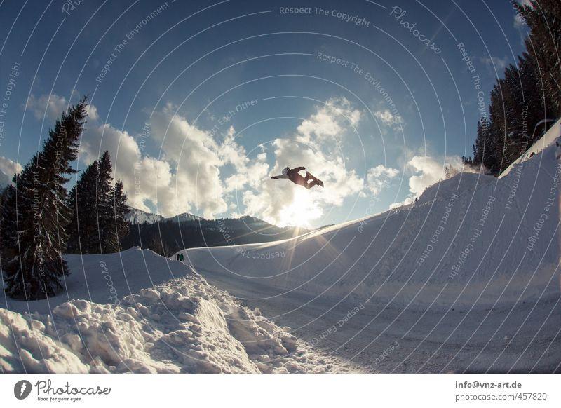 Superm Himmel Natur blau Sonne Wolken Winter Berge u. Gebirge Umwelt Straße Sport fliegen springen Aktion hoch fantastisch Alpen