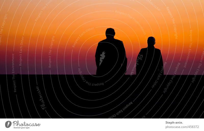 Farbrausch 2 Mensch Himmel Wolkenloser Himmel Horizont Sonnenaufgang Sonnenuntergang Sonnenlicht Schönes Wetter gehen genießen laufen authentisch