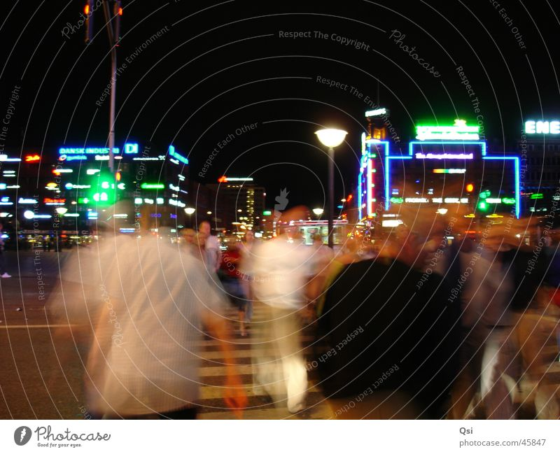 Kopenhagen bei Nacht Bewegung Europa Nacht Fußgänger Leuchtreklame Kopenhagen