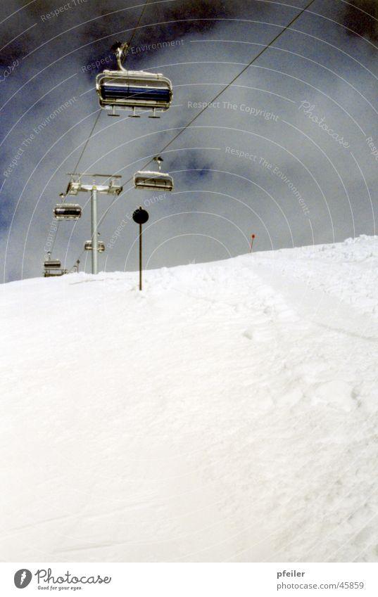 Dreier Sesselbahn Wintersport 3 Berge u. Gebirge Schnee Skipiste Schwarze Piste
