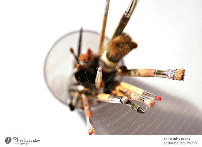 Utensilien für Kunstwerke Freizeit & Hobby Kindergarten Künstler Maler Schreibwaren Inspiration Kreativität Pinsel Verschiedenheit kunstunterricht Farbfoto