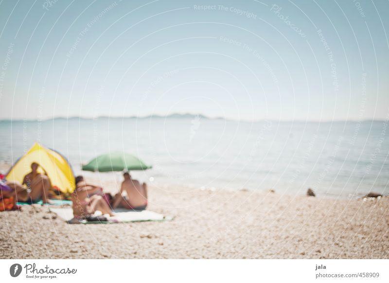 beach days Mensch Himmel Ferien & Urlaub & Reisen Sommer Meer Landschaft Strand hell Menschengruppe Schönes Wetter Lebensfreude Sonnenbad Sommerurlaub