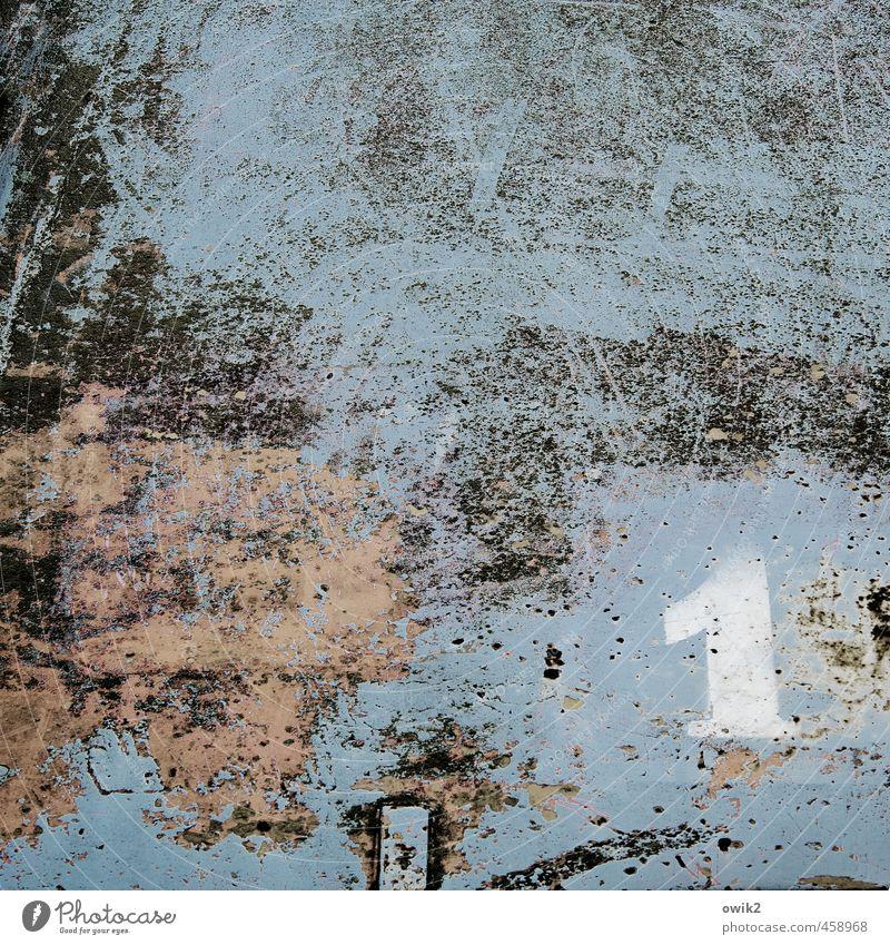 Nummernschild blau alt Metall dreckig kaputt einfach Technik & Technologie Vergänglichkeit Wandel & Veränderung Ziffern & Zahlen Zeichen Spuren Krankheit