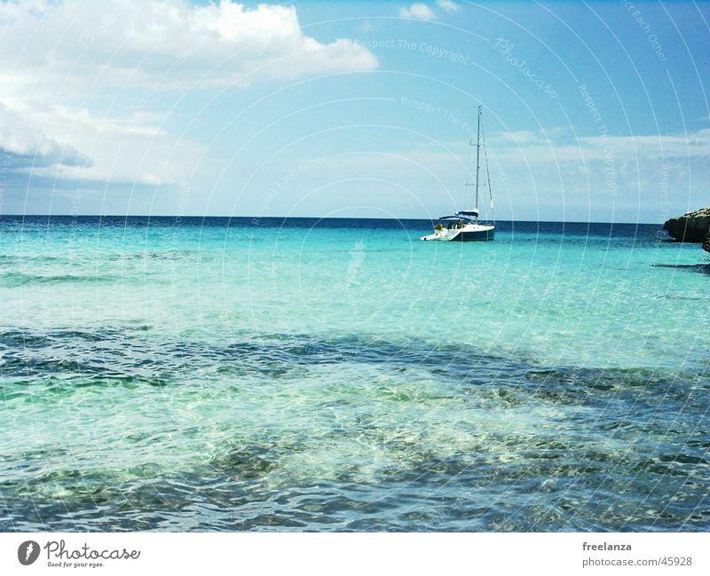 Schiff Sommer Strand Meer Ferien & Urlaub & Reisen Wasserfahrzeug Wolken blau Sonne Himmel Felsen