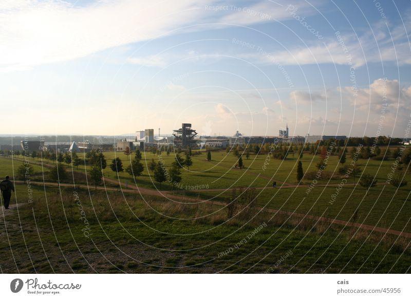 Future City Himmel Baum grün blau Sommer Wolken Ferne Wiese Gras Frühling Landschaft groß Aussicht Hannover Weltausstellung