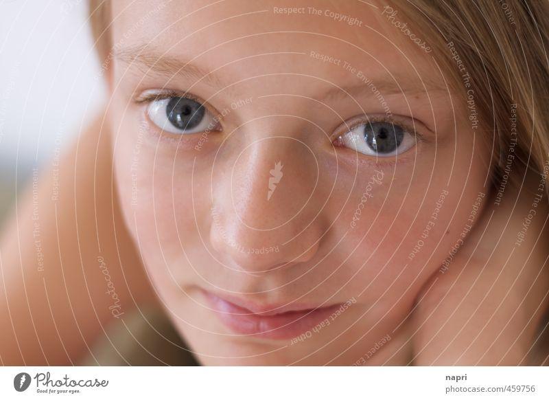 alles gut Mensch Kind Jugendliche schön Erholung Mädchen Gesicht feminin Glück natürlich träumen Kraft Kindheit Zufriedenheit authentisch Lächeln