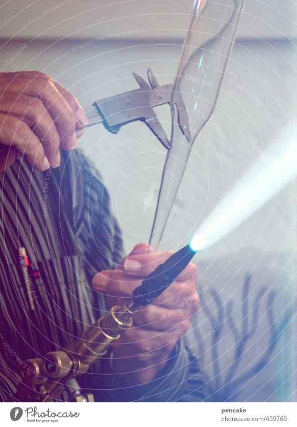 der glasmacher Beruf Handwerker Arbeitsplatz Glasbläser Werkzeug Messinstrument Wissenschaften Fortschritt Zukunft maskulin 1 Mensch Arbeit & Erwerbstätigkeit
