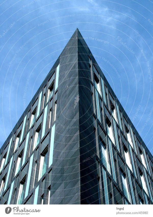 zuspitzen Haus Ecke Spitze Blauer Himmel Architektur
