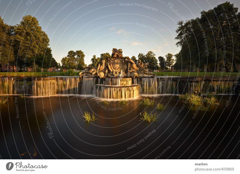 Kaskade grün weiß Baum Architektur braun Park Burg oder Schloss Sehenswürdigkeit Terrasse Skulptur fließen Wasserfall Schlosspark
