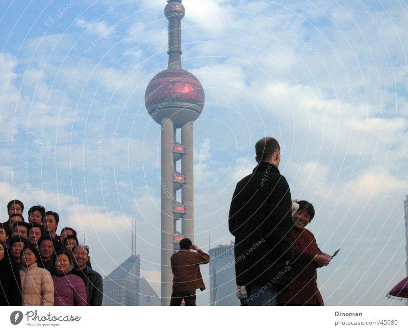 Pearl of Asia, Shanghai Himmel Asien Wolken mehrere China Fotograf Tourist Fernsehturm Bündel Chinese Pu Dong