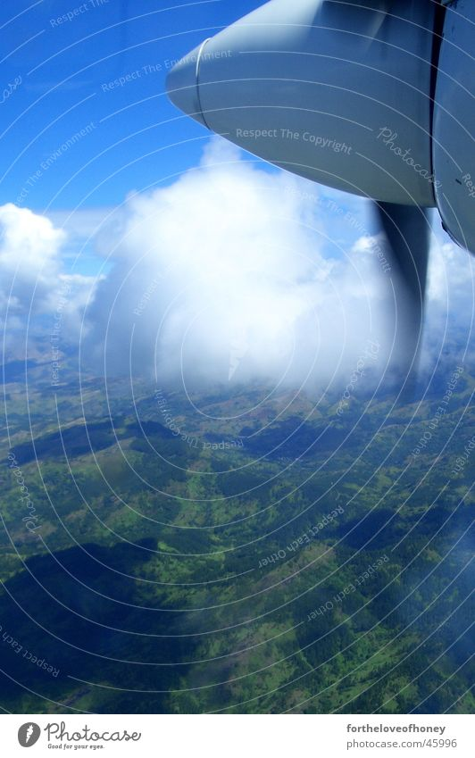 flying over fiji Fidschiinseln Island Sommer Suva aeroplane clouds rainforest south pacific