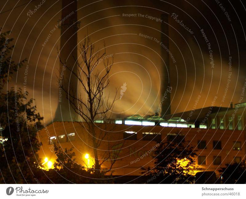 Dust in the Wind Langzeitbelichtung Nebel Sturm Nacht dunkel Industriefotografie Rauch Sepia