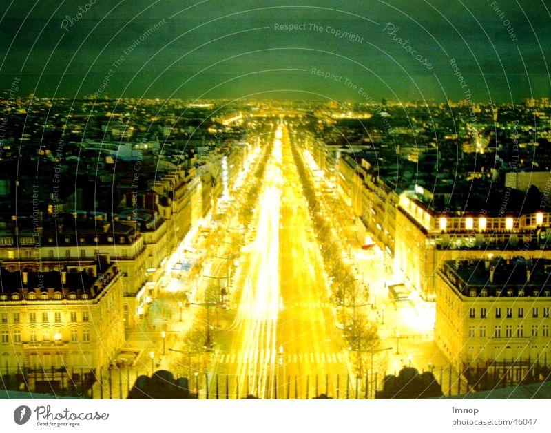 Champs Elysées Paris Champs-Elysées Langzeitbelichtung Nacht Licht hell Straße PKW