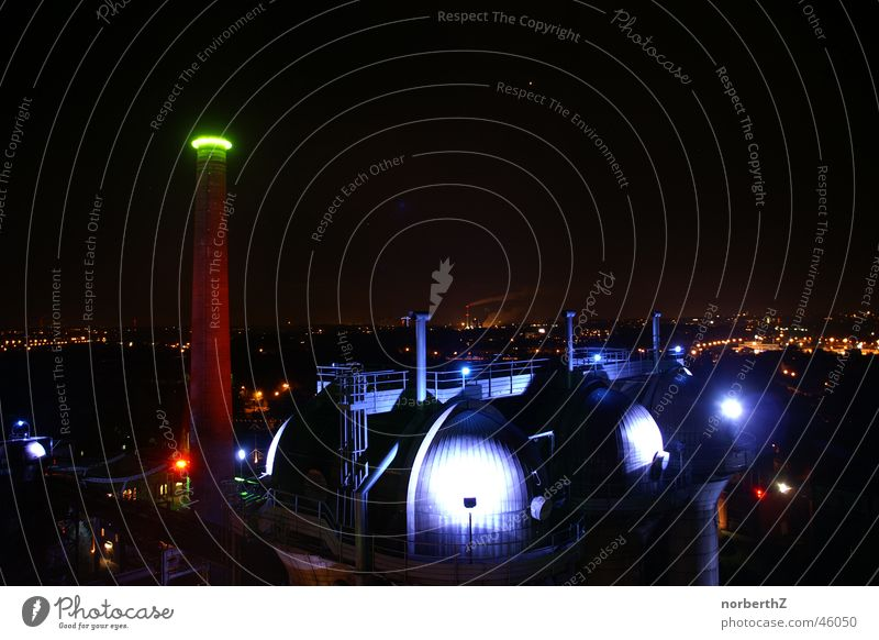 Hochofen grün blau dunkel Topf Ruhrgebiet Duisburg Nachtaufnahme Schmelzofen
