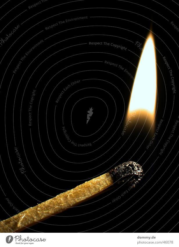 fire Streichholz brennen Holz schwarz Brand Flamme zündkopf