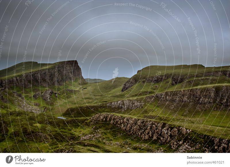 [Skye 09] Sron Vourlinn Himmel Natur Ferien & Urlaub & Reisen grün Pflanze Sommer ruhig Landschaft dunkel Umwelt Berge u. Gebirge Gras außergewöhnlich Felsen