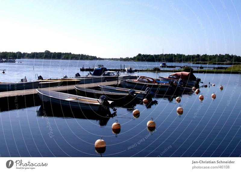Bööte Wasser Himmel Sonne blau Ferien & Urlaub & Reisen Wasserfahrzeug Steg Schweden