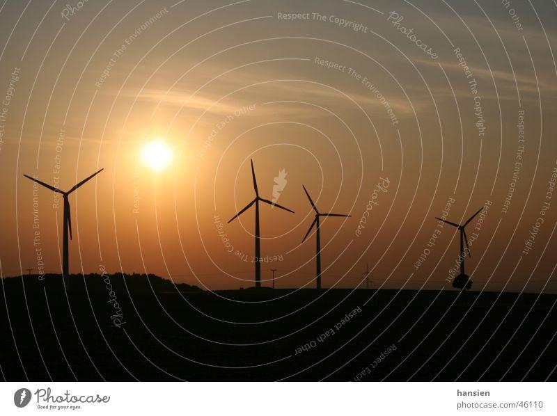 zwei Alternative Himmel Zukunft Windkraftanlage Cirrus Halo