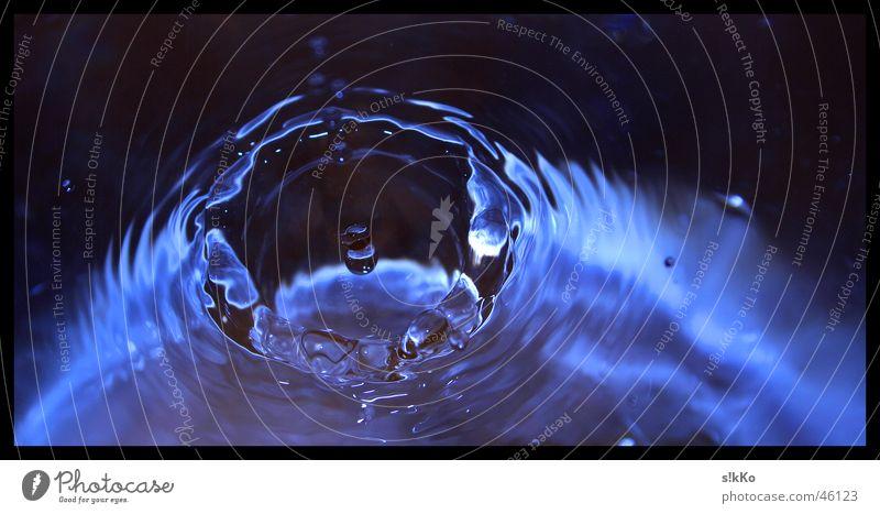 Wasserspiele Wellen Wassertropfen Baumkrone