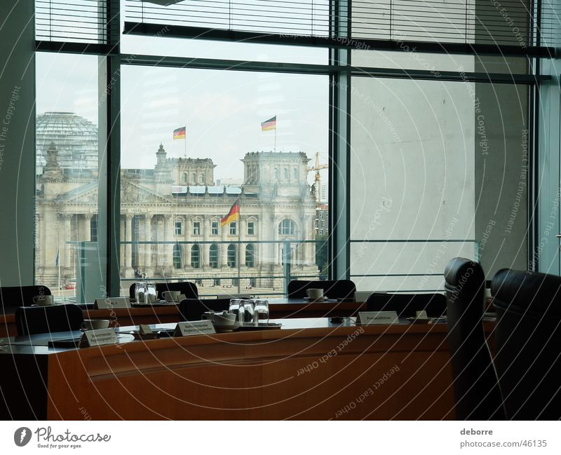 Büro der besonderen Art Berlin Fenster Deutschland Aussicht Beruf Schreibtisch Politik & Staat Deutscher Bundestag London Lebensmittel Kohl Houses of Parliament