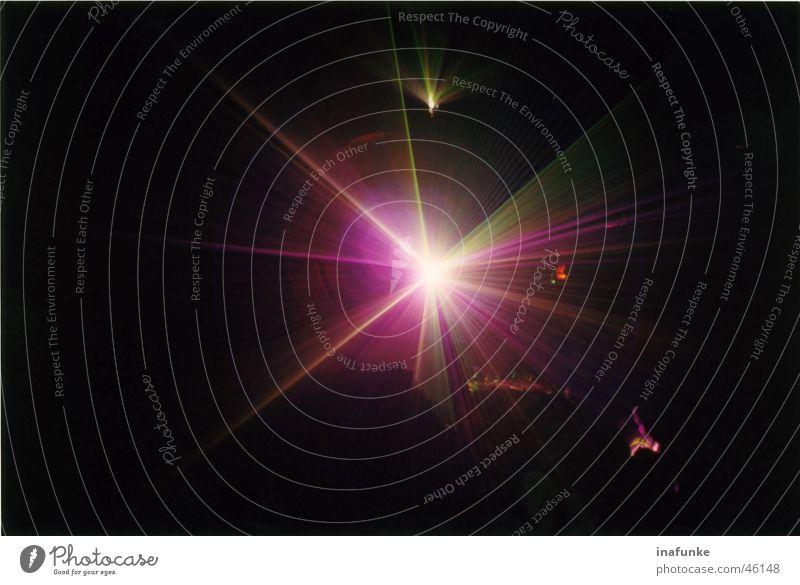 Laser pink Lasershow Tropfsteinhöhle rosa Licht Beleuchtung