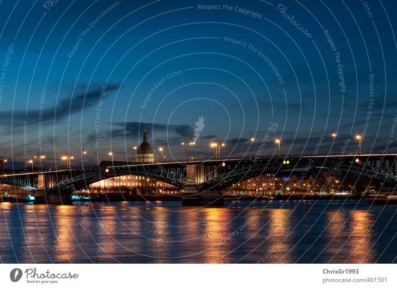 Die Brücke Mainz Hauptstadt Stadtrand Kirche Bauwerk Architektur Bewegung fahren laufen warten fantastisch groß blau gold authentisch Rhein Theodor-Heuss-Brücke