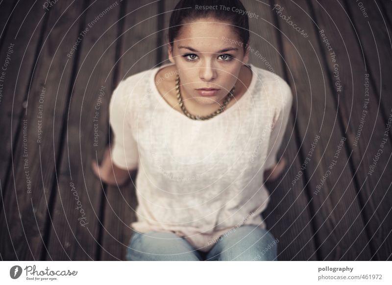 still there II Mensch Kind Jugendliche schön Sommer ruhig Erwachsene 18-30 Jahre Leben feminin Gefühle Körper Kraft sitzen authentisch warten