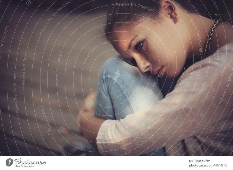 whats wrong? Mensch Frau Jugendliche Sommer Einsamkeit Junge Frau Erwachsene 18-30 Jahre Leben feminin Gefühle Traurigkeit Denken träumen Stimmung Körper