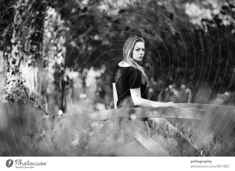 waiting there II Mensch Frau Kind Natur Jugendliche Pflanze Sommer Baum Einsamkeit Landschaft Junge Frau Erwachsene 18-30 Jahre Leben feminin Gefühle
