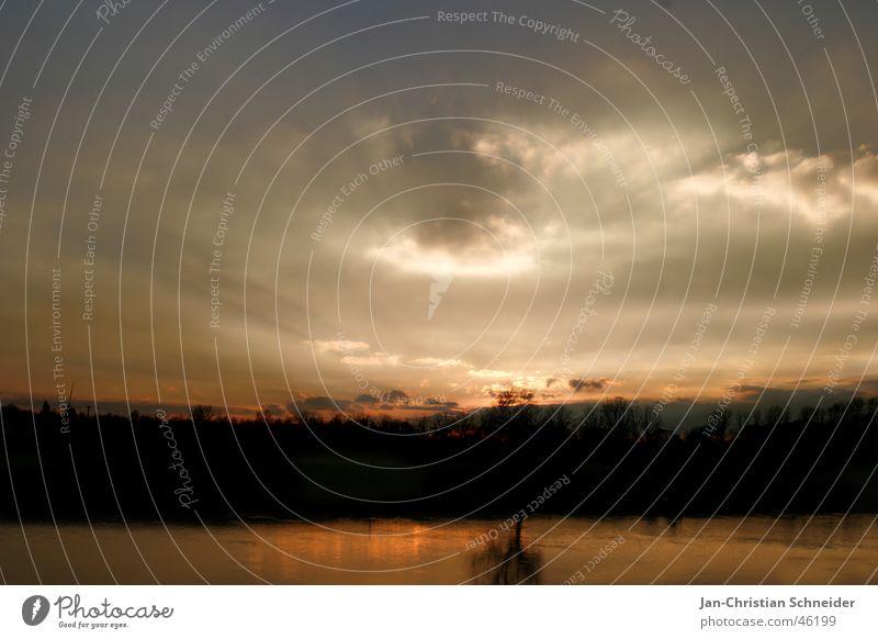 Göttermorgen Wolken Weser Baum dunkel Sonnenaufgang Sonnenuntergang Himmel Wasser Fluss Morgen Abend hell glphen Gott