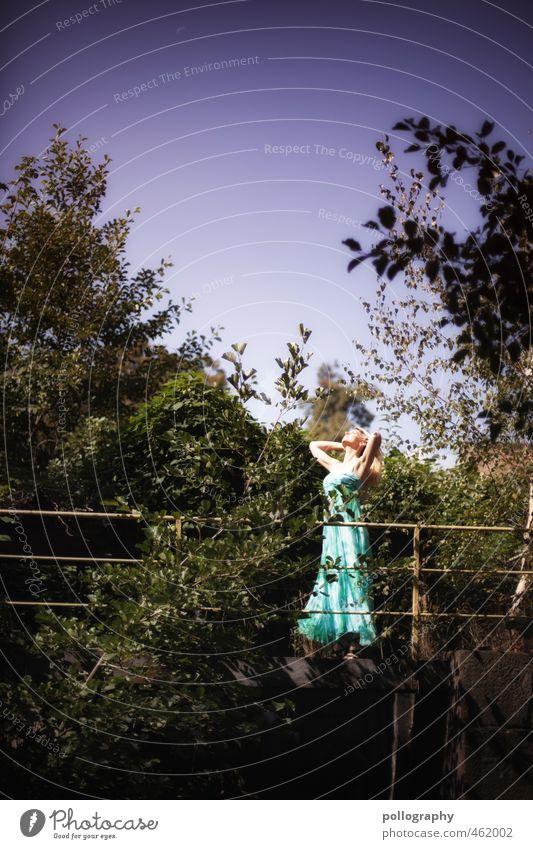 enjoy the nature Lifestyle schön Mensch feminin Frau Erwachsene Leben Körper 1 18-30 Jahre Jugendliche Natur Landschaft Pflanze Wolkenloser Himmel Sommer