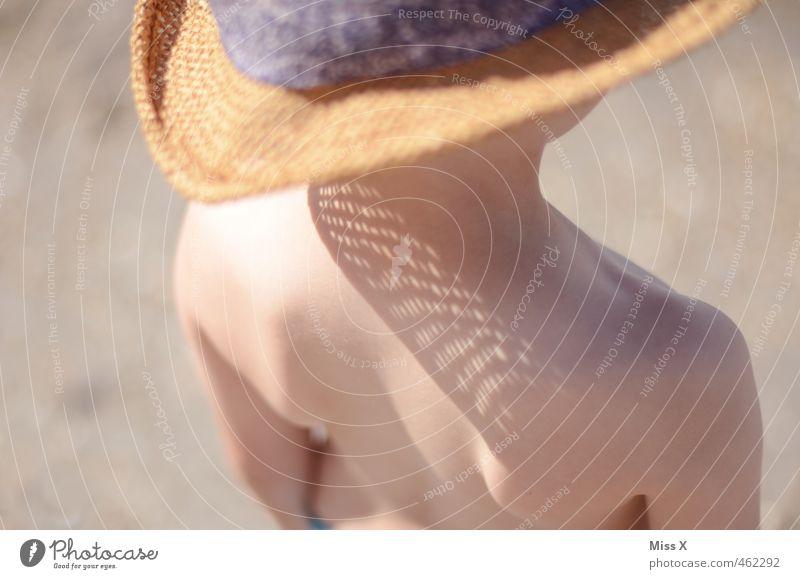 Sonnenflecken Ferien & Urlaub & Reisen Sommer Sommerurlaub Sonnenbad Strand Mensch Kind 1 1-3 Jahre Kleinkind 3-8 Jahre Kindheit Sonnenlicht Hut hell