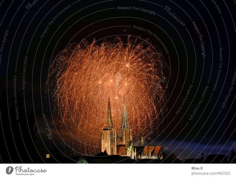 Dult 2013 Stadt dunkel Feste & Feiern Party gold glänzend groß leuchten hoch Kirche Feuer erleuchten Silvester u. Neujahr Veranstaltung Feuerwerk Dom