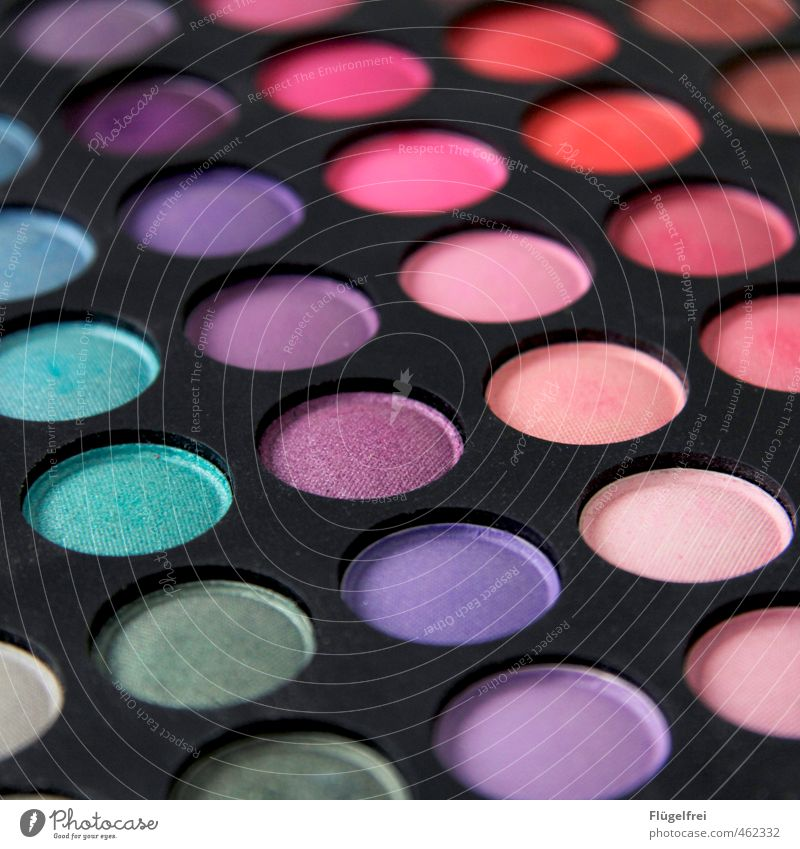 C:47 M:78 Y:22 K:2 schön Schminke Kosmetik mehrfarbig violett türkis Lidschatten Paletten glänzend rosa Aussehen Auge Farbfoto Innenaufnahme