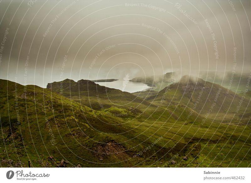 [Skye 10] Quiraing Umwelt Natur Landschaft Urelemente Erde Himmel Wolken Sommer Klima schlechtes Wetter Wind Nebel Pflanze Gras Nutzpflanze Hügel Felsen Küste