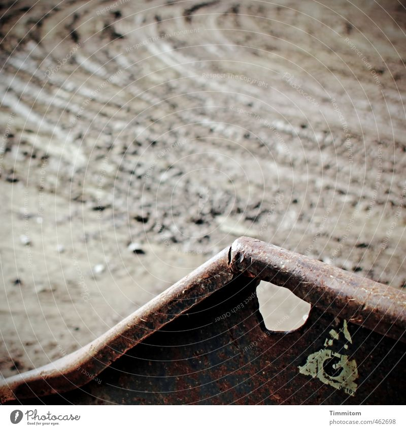 Gute Aussichten. Sand Metall braun dreckig Baustelle Spuren Verkehrswege Loch Container Schlamm Spurrinne