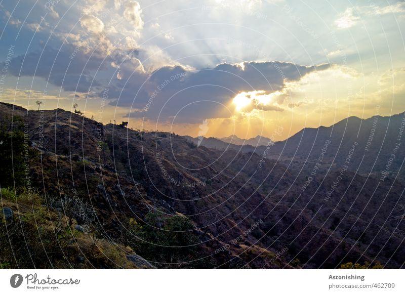 die Sonne sinkt! Himmel Natur blau Pflanze Sommer Sonne Landschaft Wolken schwarz gelb Umwelt Berge u. Gebirge Wärme Gras Reisefotografie hell