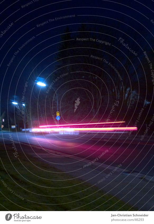 Warp 9,8 Nacht Licht dunkel Langzeitbelichtung unsichtbar Lampe Geschwindigkeit warp Straße hell PKW blicker Scheinwerfer