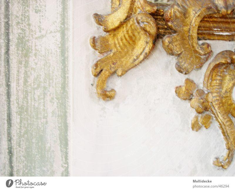 Goldzierwerk schön alt weiß grün Wand Stein Architektur gold Dekoration & Verzierung Am Rand Barock Zierde geschwungen Schnörkel Stuck
