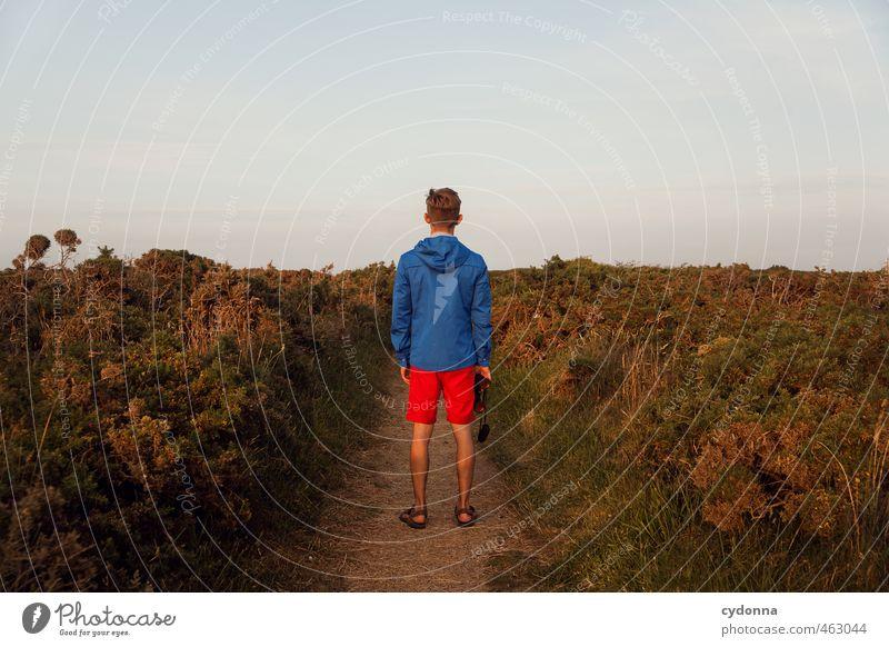 Outdoor Mensch Natur Ferien & Urlaub & Reisen Jugendliche Sommer Einsamkeit Landschaft Junger Mann Ferne 18-30 Jahre Erwachsene Umwelt Leben Wege & Pfade Stil