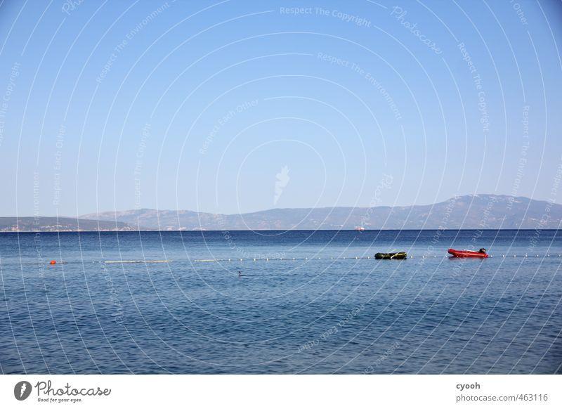 Ich hab ein knallrotes Gummiboot... Sommer Sommerurlaub Meer Wolkenloser Himmel Schönes Wetter Erholung Ferien & Urlaub & Reisen schaukeln Schwimmen & Baden