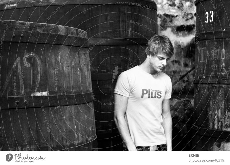 ich schonwieda^^ Porträt Selbstportrait Fass blond Schimmelpilze T-Shirt