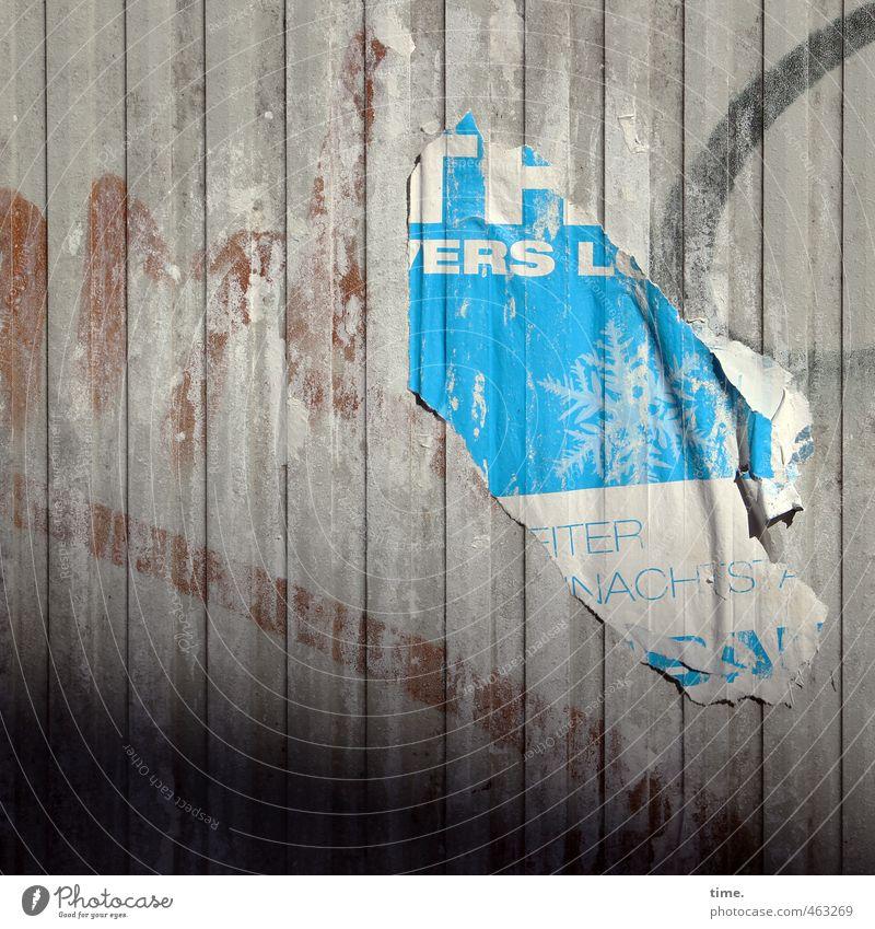 Der Ruhm von gestern Graffiti Wand Mauer Fassade dreckig trist Schilder & Markierungen Armut Schriftzeichen kaputt Vergänglichkeit Wandel & Veränderung Kultur Vergangenheit Verfall Leidenschaft