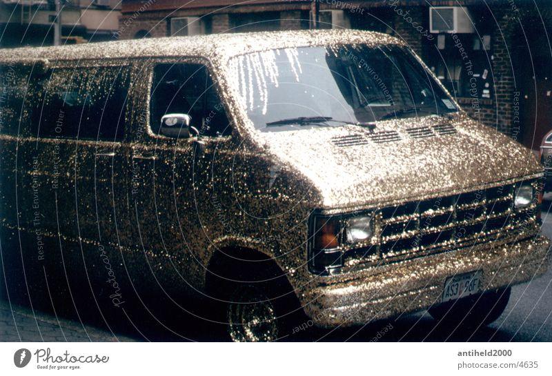 Golden Van glänzend gold New York City Lieferwagen Transporter