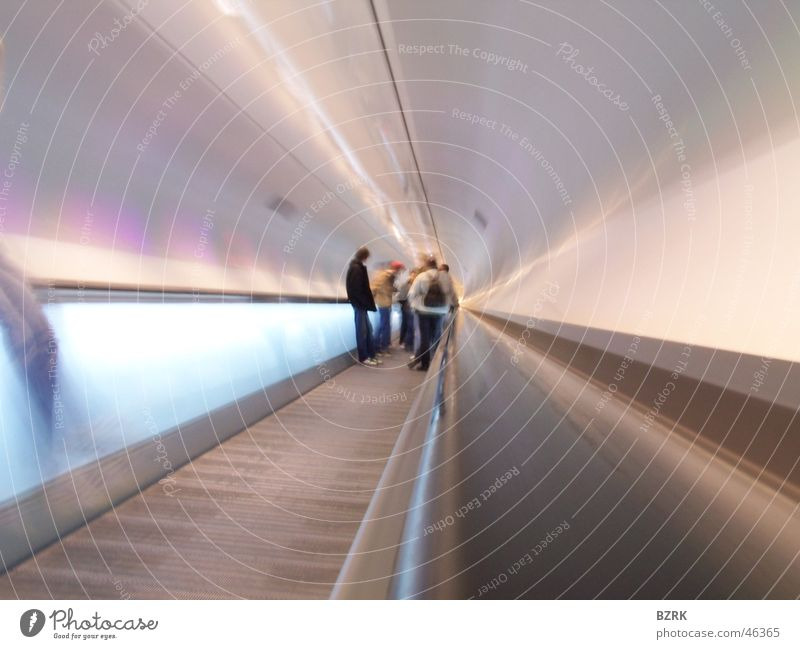 traveling with the speed of light Mensch Tunnel