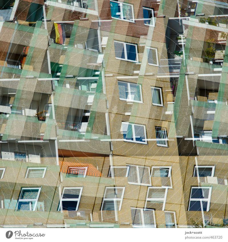 drunter und drüber DDR Marzahn Haus Plattenbau Fassade Balkon Fenster Beton Linie Netzwerk Deutsche Flagge Häusliches Leben Armut authentisch eckig hässlich