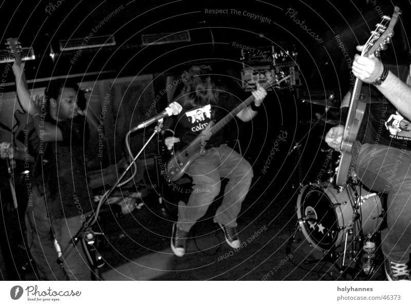 Hand To Hand Live Musik live Show Hardcore Screamo Bühne Schwarzweißfoto Schnur Rockmusik Punk Gitarre