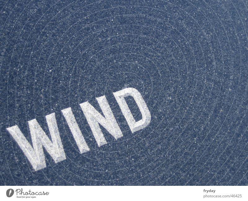 der wind, der wind, ... Stein Wind Typographie Text Granit